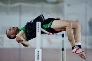 Hombre salto altura (atletismo)