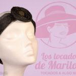 Fotografía Tocados de Marilola con logo de fondo