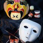 Fotografía Bodegón máscaras y pinturas